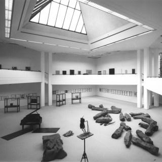 Der Neubau von 1987 kurz nach der Einweihung, Foto: © LehmbruckMuseum / Bernd Kirtz