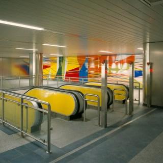 Isa Genzken und Gerhard Richter: U-Bahnhof König Heinrich-Platz (1992), Foto: © LehmbruckMuseum